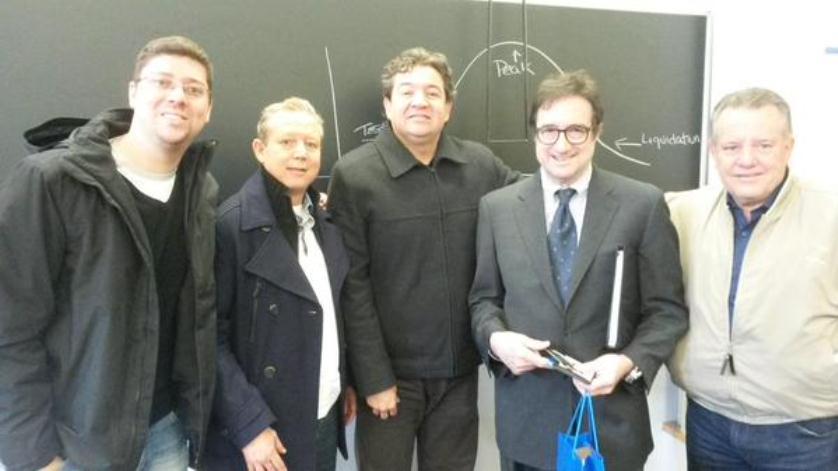 Parte da equipe Fecomércio MG e o Professor Mark Cohen