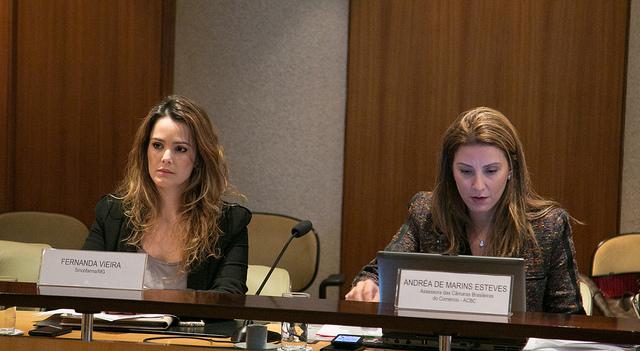 Advogada da Fecomércio MG e representante do Sincofarma Minas, Fernanda Vieira, e a Assessora das Câmaras Brasileiras do Comércio, Andréa Marins
